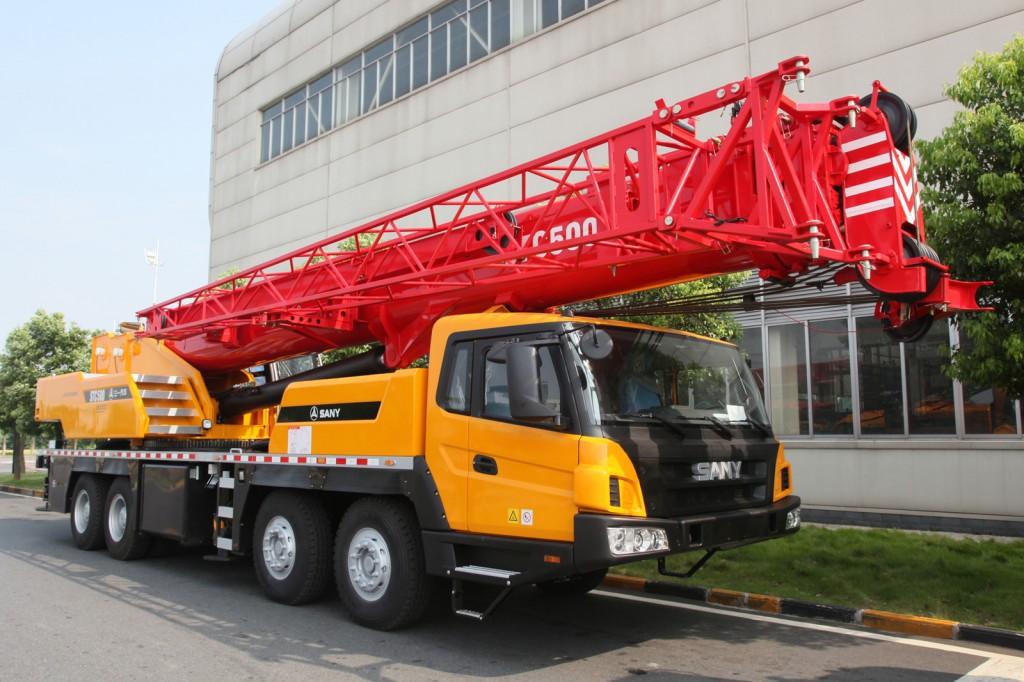 palfinger_sany_truck_crane_lifting_stc500_side1