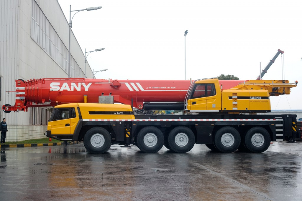 palfinger_sany_all_terrain_crane_lifting_sac2200_side