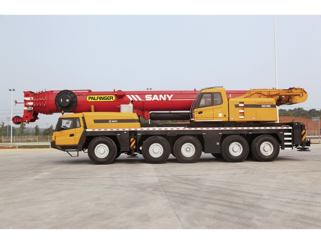 palfinger_sany_truck_crane_lifting_SAC1800_side